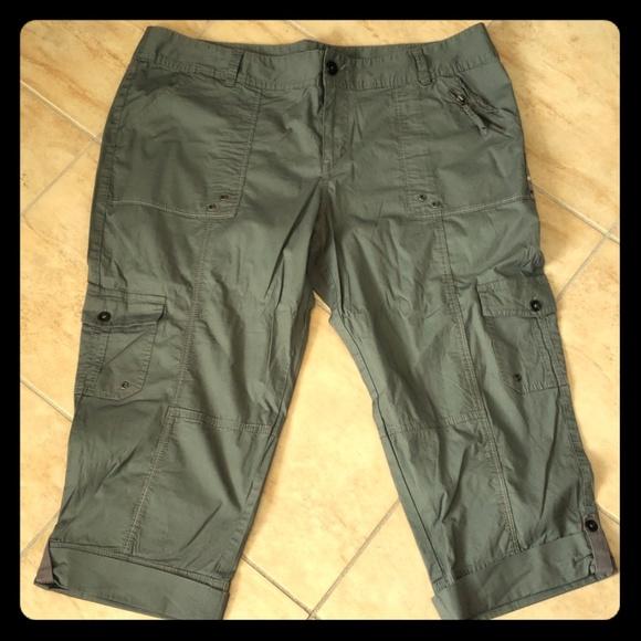 aa60150a8d93d Apt. 9 Pants - Army Green Capris